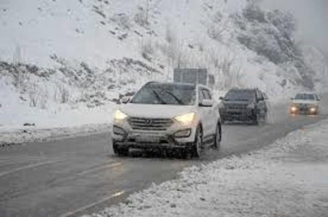 بارش برف و باران در جاده کرج – چالوس