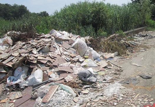 تجمع نخالههای ساختمانی در گوشه و کنار شهر معضلی پا برجا در البرز