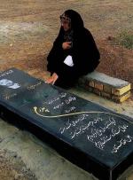 ماجرای تلخ مزار جانباز مدافع حرم در اشتهارد که یک عکس آشکارش کرد