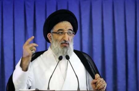 امام جمعه کرج : اقتصاد مقاومتی بدون جهاد پیش نخواهد رفت